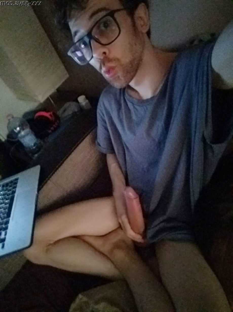 Always with cock out | Amateur  Porn XXX | Hot XXX Gays