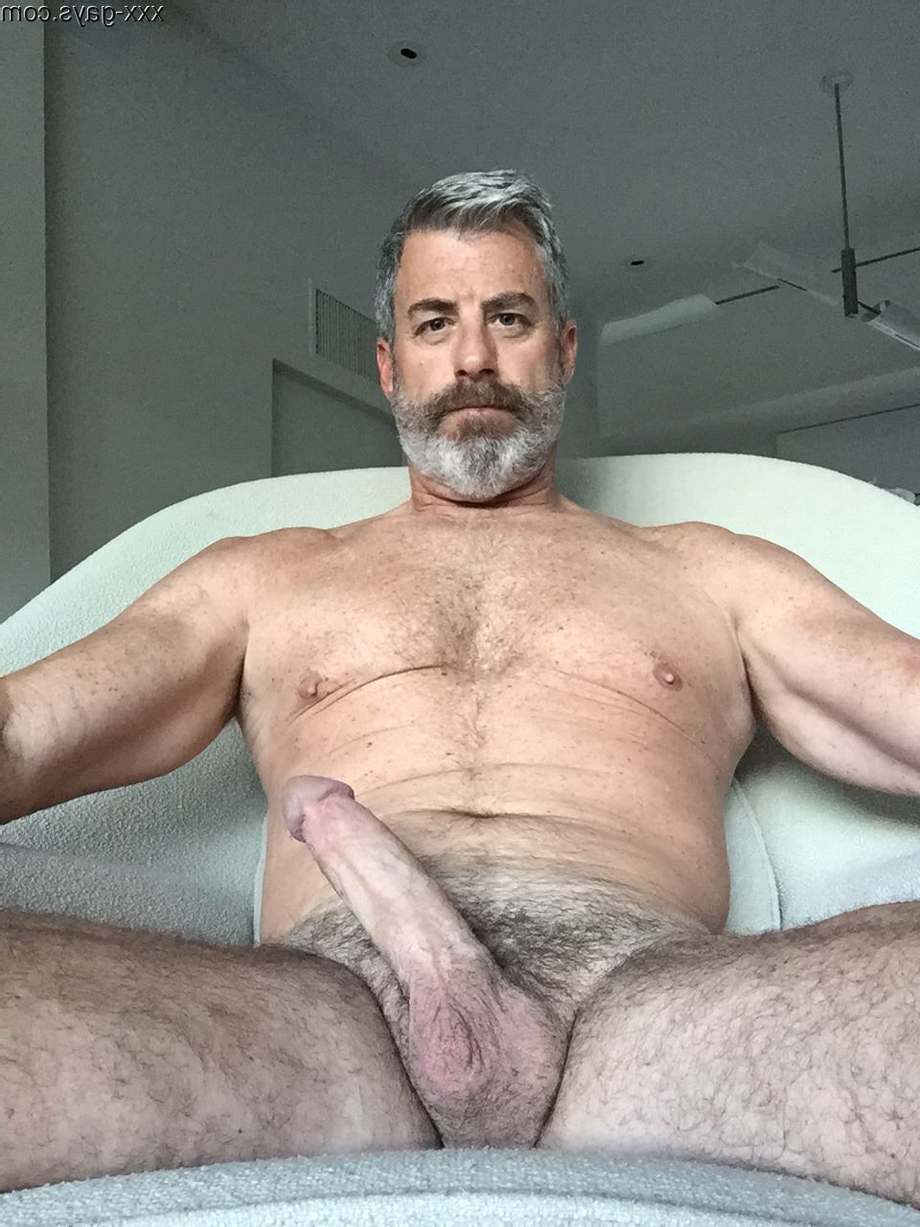 Amateur Silver daddy, anyone seen any more of him? There is a set of 3 images on Tumblr, but I need more! Where can I find him?   Daddy/Mature  Porn XXX   Hot XXX Gays