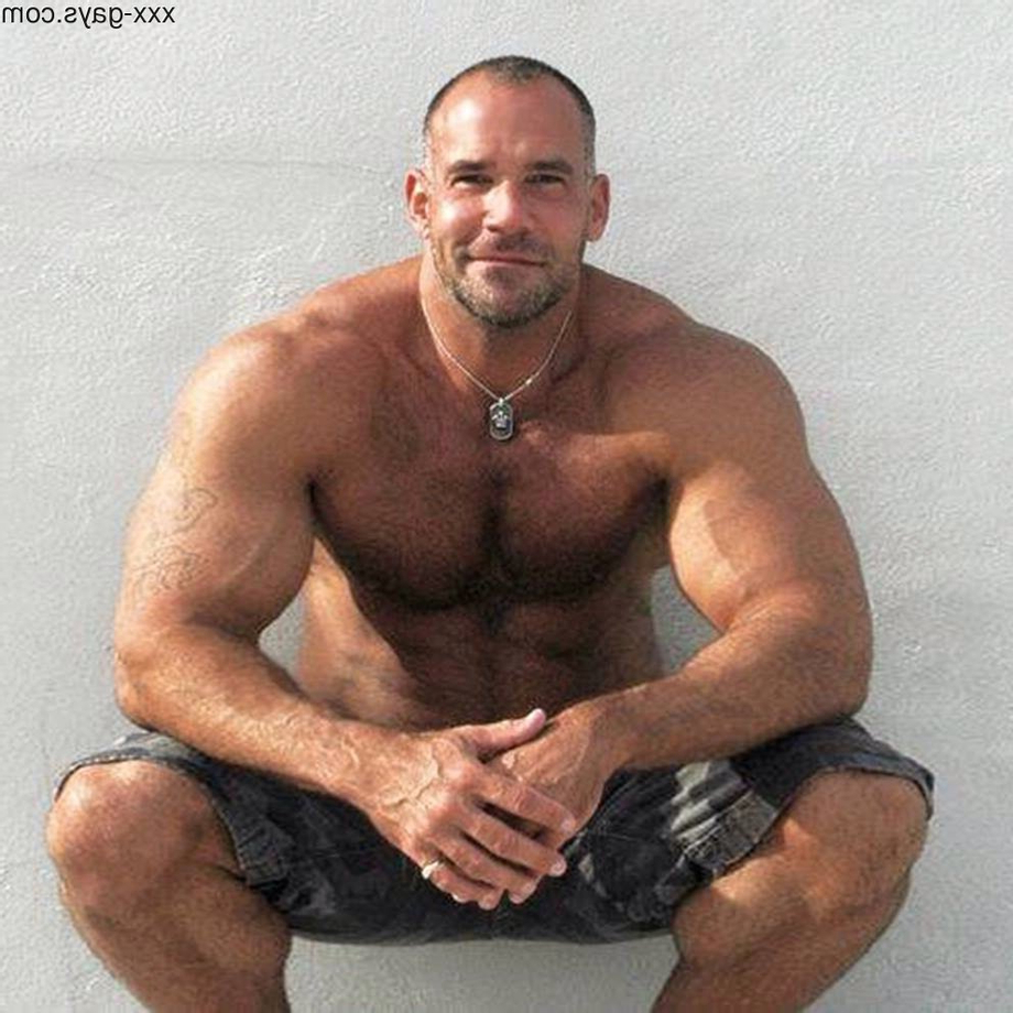 Big and strong | Daddy/Mature  Porn XXX | Hot XXX Gays