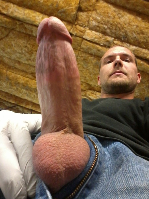 Can you imagine looking up at that thing? | Fuck  Porn XXX | Hot XXX Gays