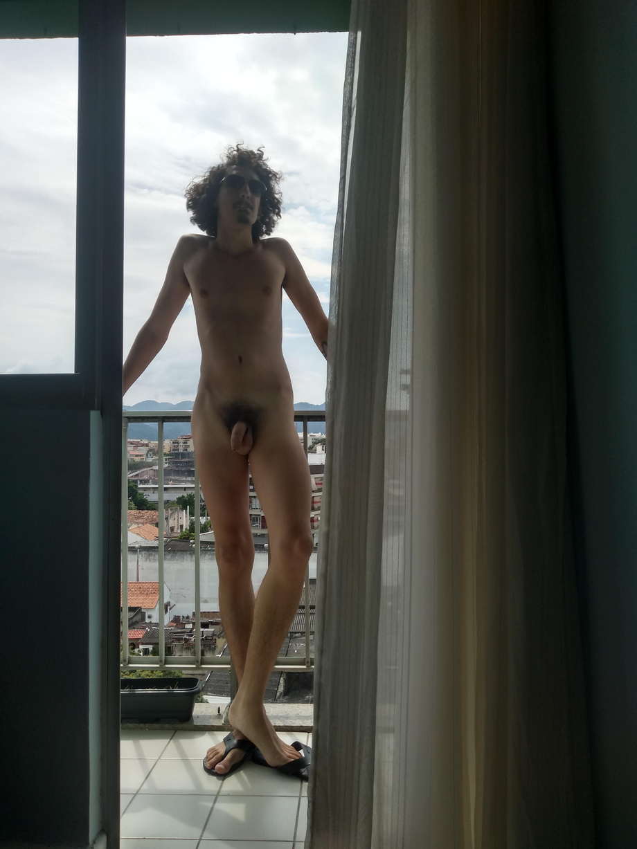 Can\'t stay in clothes, it\'s getting really hot here | GoneWild  Porn XXX | Hot XXX Gays