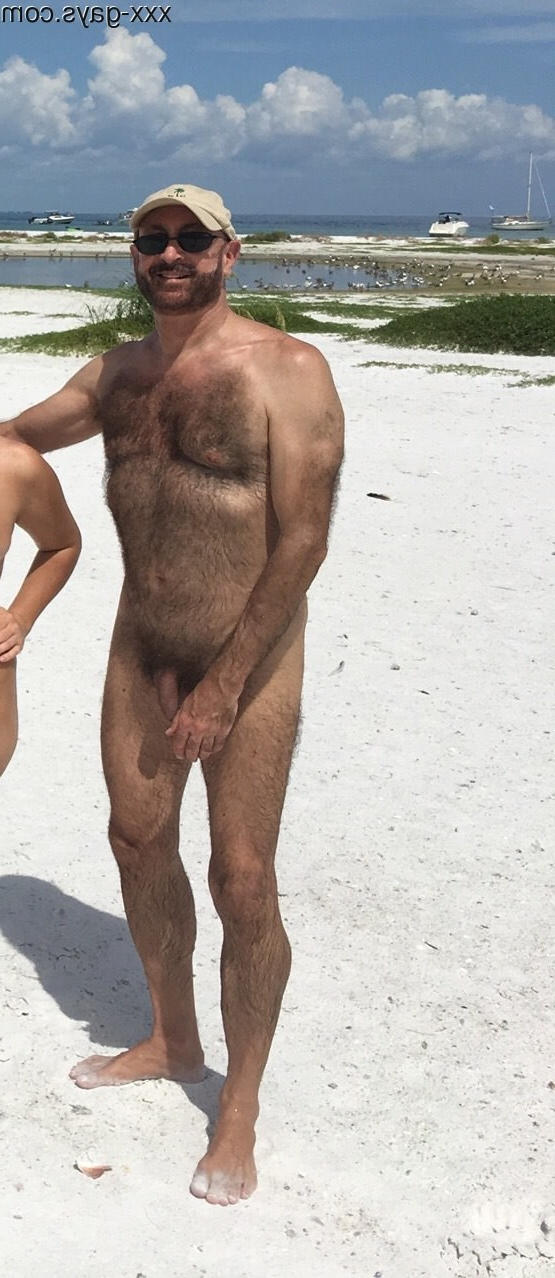 Day out with friends on Passage Key | Hairy  Porn XXX | Hot XXX Gays