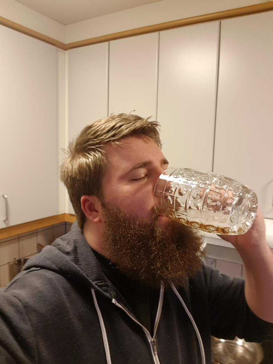 Finishing this glass, and made some swedish meatballs with gravy, mashed potatoes and rårörda lingon to go with it. Saturday treats ????. | Beards  Porn XXX | Hot XXX Gays