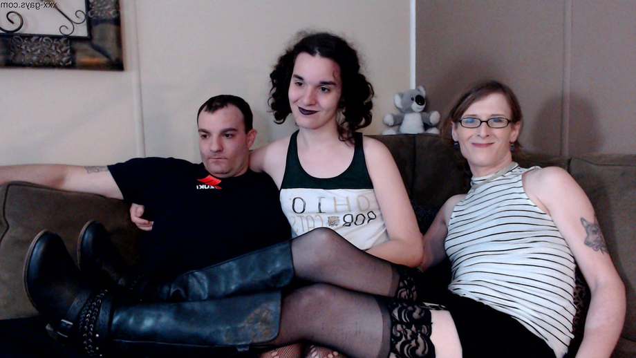 Hey all, I had a lovely little threesome show on CB last night with a fresh new model in the middle. I\'m getting her into reddit to bring new content to here and elsewhere. What do you all think? | Tranny Boys  Porn XXX | Hot XXX Gays