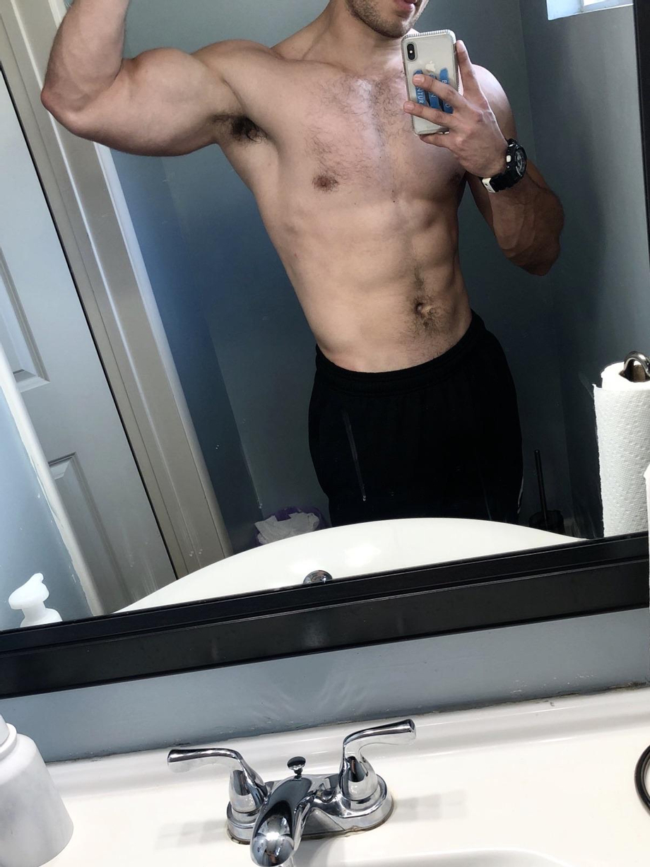 How's the bicep looking?   Muscles  Porn XXX   Hot XXX Gays