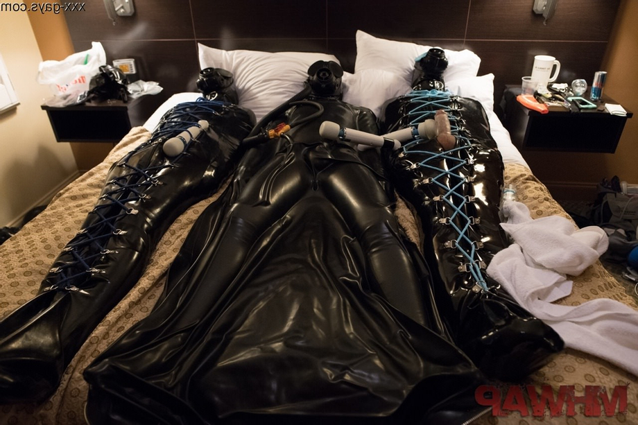 I\'d like to crash this party | Leather/Rubber  Porn XXX | Hot XXX Gays