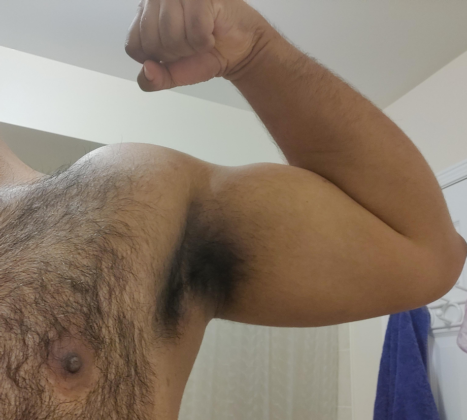 It\'s not biceps day but I\'ve definitely worked up a sweat   Armpits  Porn XXX   Hot XXX Gays