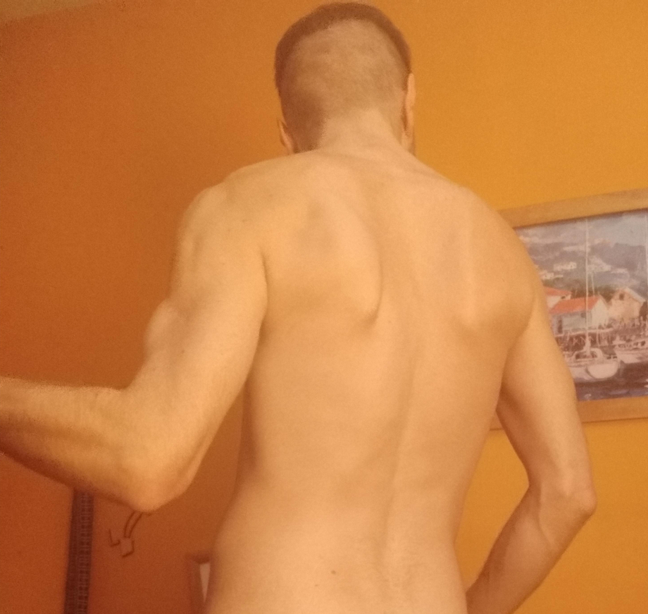 My back starting to develop   Muscles  Porn XXX   Hot XXX Gays