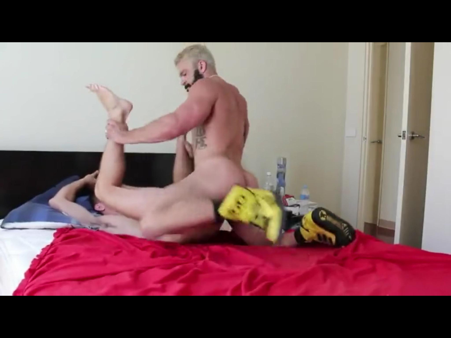 Name of the blonde hunk?   Hunks  Porn XXX   Hot XXX Gays