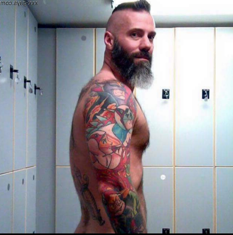 [NSFW] Never know who you are going to run into at the gym/spa | GoneWild  Porn XXX | Hot XXX Gays