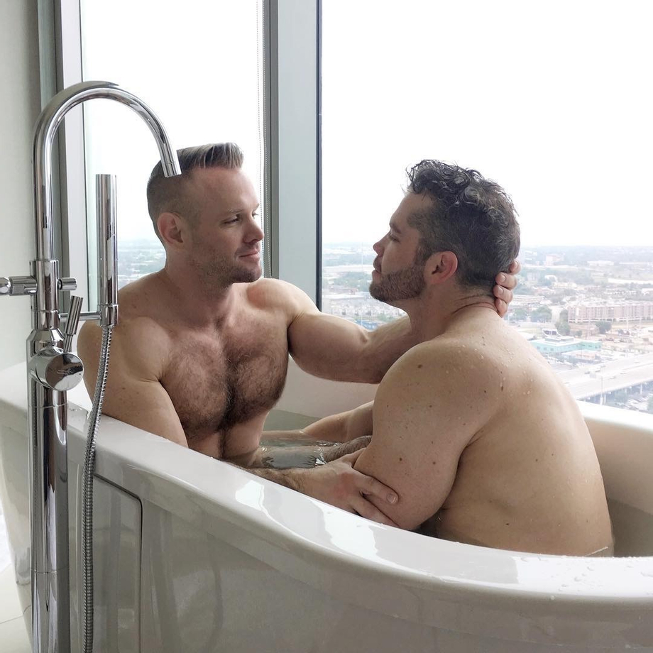 Sharing A Tub With A View | Gay Couples  Porn XXX | Hot XXX Gays