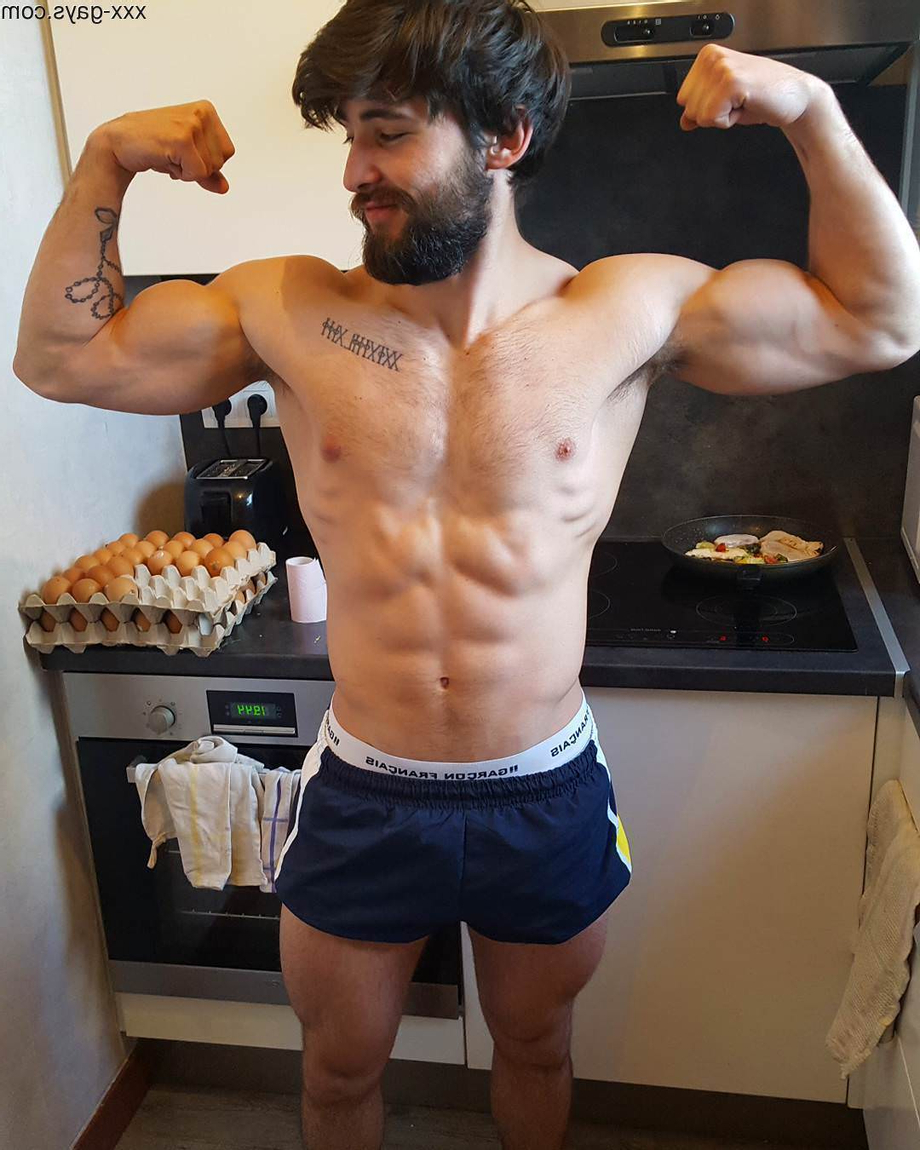 Showing off his guns in the kitchen   Muscles  Porn XXX   Hot XXX Gays