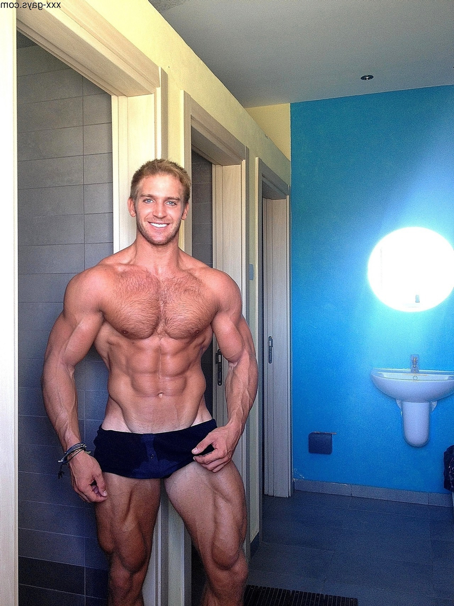 Showing off in the showers   Soft  Porn XXX   Hot XXX Gays
