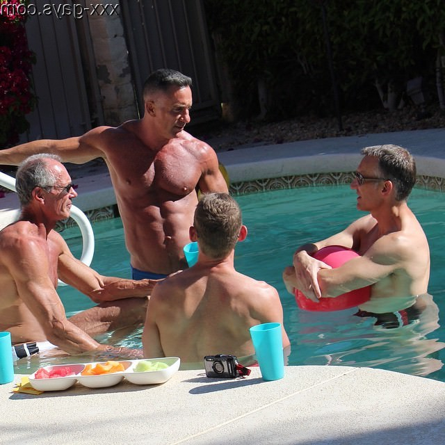 This is a pool party I wouldn\'t mind joining   Daddy/Mature  Porn XXX   Hot XXX Gays