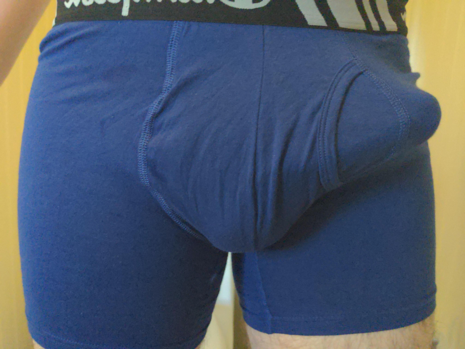 This might be the best bulge pic I\'ve taken so far, what do you guys think? | Bulges  Porn XXX | Hot XXX Gays