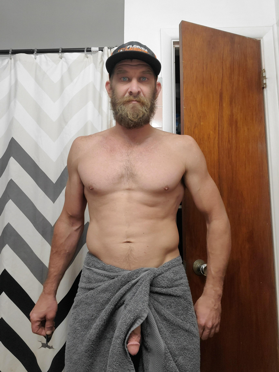 Trying to take a selfie in a towel . Oops | Underwear  Porn XXX | Hot XXX Gays